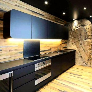 Νέα μοντέρνα κουζίνα σε χρώμα μαύρο με εκπληκτικό design στα ντουλάπια