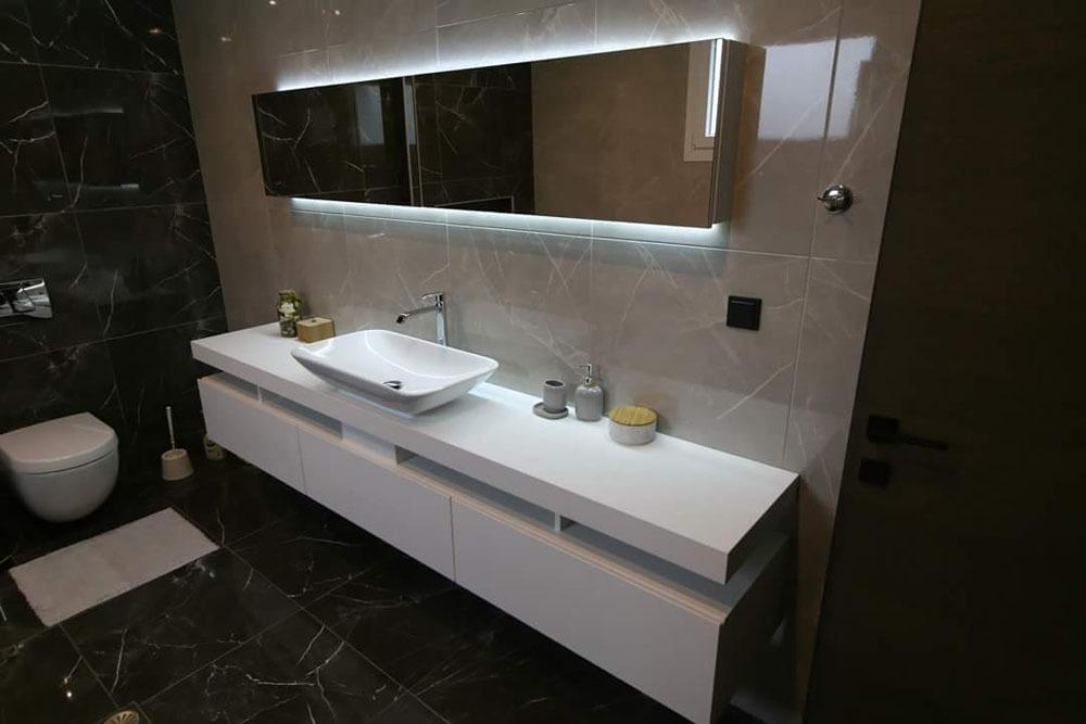 Πώς να μειώσετε το κόστος ανακαίνισης του μπάνιου σας