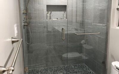 Γιατί να επιλέξετε χτιστή ντουζιέρα για την ανακαίνιση του μπάνιου σας;